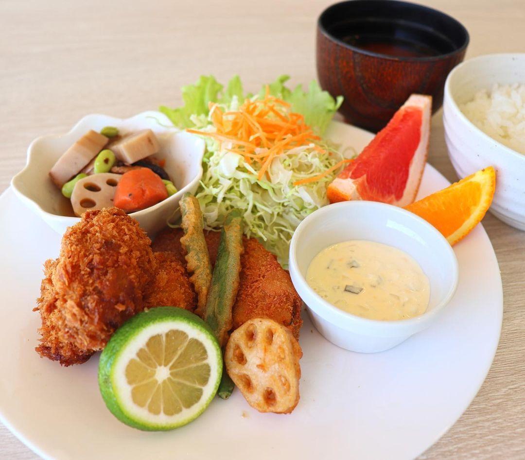 牡蠣フライプレート (2)
